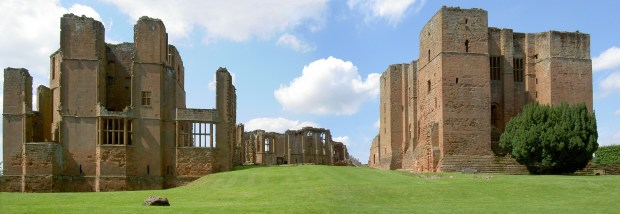 On the left is the remains of Leicester's Building, on the right John of Gaunt's 14th century Oriel Tower and Great Hall
